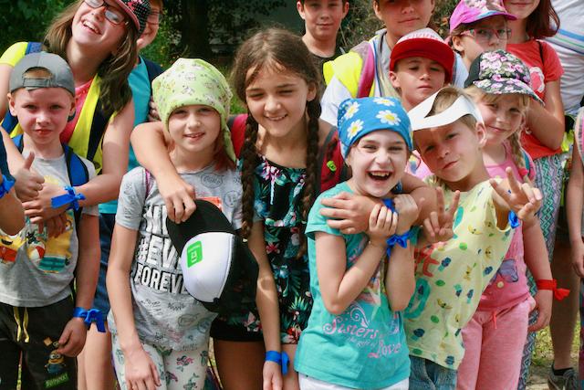 Nowe Pokolenie - grupa dzieci na Wakacyjnej Wędrówce